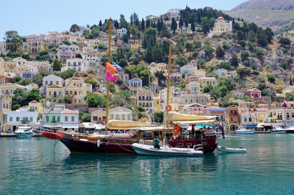 Kolorowy zawrót głowy – wyspa Symi, Grecja