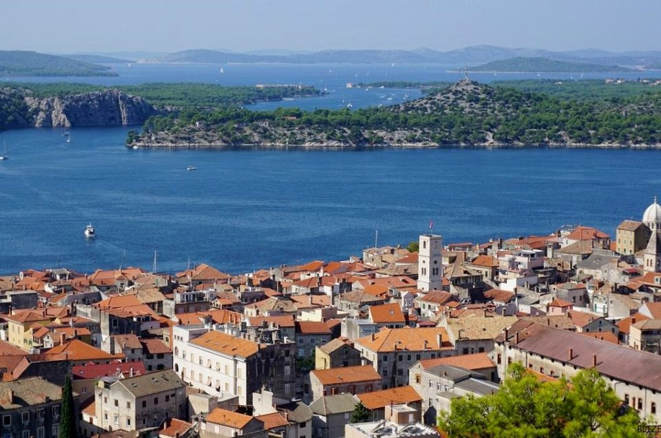 Kamienna perła Adriatyku – zabytkowy Szybenik, Chorwacja